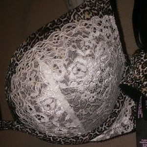 Victoria's Secret Intimates & Sleepwear - VS 32DD pushup leopard print bra
